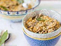 Warm wheatberry salad with mushrooms and white wine [Vegan]