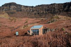 Risultati immagini per Sweeney's Bothy on the Isle of Eigg Huge Windows, Floor To Ceiling Windows, Lake Cabins, Wood Cabins, Bothy, Cool Countries, Nice View, Color Change, Colours
