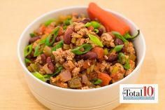 Total 10 Turkey Chili: This warm and satisfying recipe is the perfect meal to eat while watching Sunday football. Total 10 Turkey Chili: This warm and satisfying recipe is the perfect meal to eat while watching Sunday football. Salad Recipes, Diet Recipes, Cooking Recipes, Healthy Recipes, Healthy Options, Cooking Tips, Clean Eating, Healthy Eating, Healthy Fats