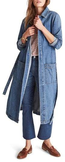 Madewell Denim Duster A Madewell favorite returns-a lean duster made of lightweight denim can be worn as a long shirtdress or as a transitional layer. Style Name:Madewell Denim Duster. Style Number: Available in stores. Denim Duster, Denim Coat, Dressy Casual Outfits, Cool Outfits, Casual Chic, Boho Chic, Denim Cardigans, Madewell Denim, Winter Fashion Casual