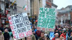Irlande: des milliers de manifestants contre l'austérité avant les élections Check more at http://info.webissimo.biz/irlande-des-milliers-de-manifestants-contre-lausterite-avant-les-elections/