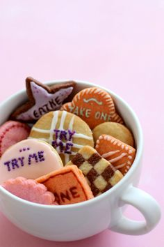 Alice in Wonderland / Mad Hatter Tea Party - These cookies are perfect, in every way!