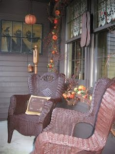 Wonder if I could ever redo my old wicker furniture set to look this wonderful? Old Wicker, Outdoor Wicker Furniture, Outdoor Decor, Fall Halloween, Rustic Halloween, Halloween Porch, Window Design, Picture Design, Porch Decorating