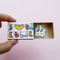 Diy Birthday Gifts Discover Adorable Perfect pair Love card /Cute Rainbow Love Card/ Unique Love gift/ Funny Anniversary Gift/ We make a great pair/ Matchbox Crafts, Matchbox Art, Diy Gifts For Friends, Diy Gifts For Boyfriend, Anniversary Funny, Anniversary Cards, Arte Black, Funny Love Cards, Cute Messages