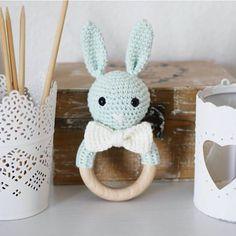 🐰❤ Am Freitag Abend nehme ich endlich wieder Bestellungen an ☺ #hasenrassel #crochettoy #love #häkelliebe #amigurumi