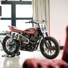 #motorcycles #streettracker #motos | caferacerpasion.com
