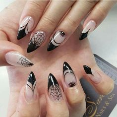 Trending Coffin Nails Art For Halloween Party 10 Halloween Nail Designs, Halloween Nail Art, Halloween Party, Halloween Season, Bling Nails, Halloween Elegante, Witchy Nails, Crazy Nails, Holiday Nails