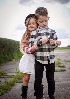 Чтобы встретить жениха, девушка должна выходить на улицу веселая и накрашенная, потому что, если она идет грустная и не накрашенная, все сразу понимают, что она уже замужем.