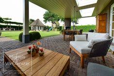 Fotografie: www.passiefoto.nl Outdoor Furniture Sets, Outdoor Decor, Patio, Home Decor, Lawn, Decoration Home, Room Decor, Home Interior Design, Home Decoration