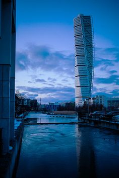 Turning Torso blue