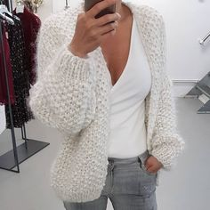 , , Always wanted to be able to knit, nevertheless unclear where do you start? This particular Total Beginner Knitting Str. Gilet Mohair, Mohair Sweater, Knitted Coat, Fall Winter Outfits, Winter Fashion, Kiro By Kim, Mode Outfits, Fashion Outfits, Knit Cardigan Pattern