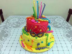 Bolo-Decorado-Carnaval/Carnaval Cake Birthday Cake, Cakes, Desserts, Pasta, Boutique, Food, Ideas, Mardi Gras Party, Creative Cakes