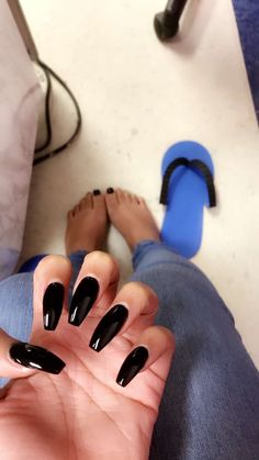 """If you're unfamiliar with nail trends and you hear the words """"coffin nails,"""" what comes to mind? It's not nails with coffins drawn on them. Although, that would be a cute look for Halloween. It's long nails with a square tip, and the look has. Gorgeous Nails, Love Nails, How To Do Nails, Pretty Nails, My Nails, Cute Acrylic Nail Designs, Colorful Nail Designs, Cute Acrylic Nails, Manicure Y Pedicure"""