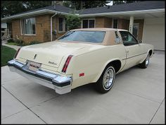 1977 cutlass i have this baby in a 76 with swivel white for 77 cutlass salon for sale