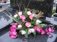 Znalezione obrazy dla zapytania kwiaty na wszystkich świętych