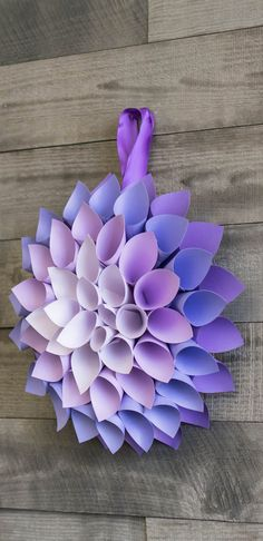 This Paper Flowers Tutorial Shows You How to Make a Dahlia Paper Dahlia, Easy Paper Flowers, Paper Flower Tutorial, Giant Paper Flowers, Diy And Crafts Sewing, Crafts To Sell, Diy Crafts, Craft Tutorials, Craft Projects