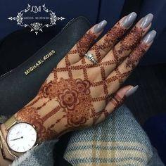 Floral and diamond shaped mehndi design Khafif Mehndi Design, Henna Art Designs, Mehndi Designs 2018, Modern Mehndi Designs, Mehndi Designs For Fingers, Wedding Mehndi Designs, Mehndi Design Pictures, Beautiful Mehndi Design, Mehndi Images