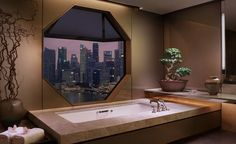 The bathroom of the Ritz Suite, on the 32nd floor of the Ritz-Carlton Millenia, Singapore [2000×1225] : RoomPorn