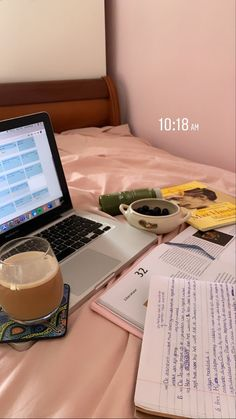 Study Desk, Study Space, Study Pictures, Study Organization, School Study Tips, Study Hard, School Notes, Studyblr, Study Motivation