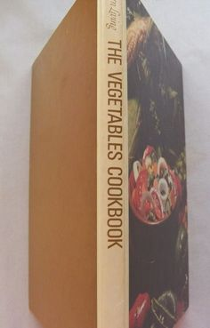 $3.00 - Southern Living Vegetables Cookbook 1975 HC (10716-1291) vintage cookbooks
