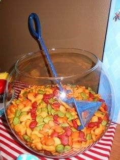 Fun way to serve goldfish at a kids party