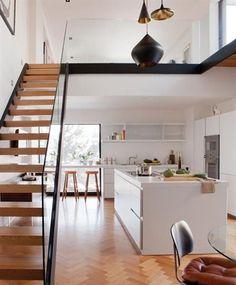 Industriel escalier en chêne (© Jean Longpré)