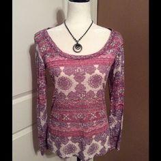Printed long sleeve top Nice printed long sleeve scoop neck top. Never worn. Rue 21 Tops Tees - Long Sleeve