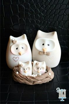 Owl Family Taupe by Sugar High Polymer Clay Owl, Polymer Clay Animals, Clay Projects, Clay Crafts, Owl Cake Toppers, Owl Cakes, Fiestas Party, Owl Family, Sugar Craft