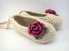 Crochet Baby Booties Cream and Rose Baby Ballet Shoes ♥ by JennOzkan