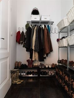 Easily accessible everyday storage