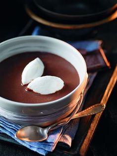 Schokosuppe mit Vanille-Schnee-Eiern