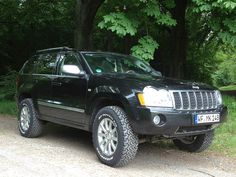 Gorgeous Lifted Jeep Grand Cherokee from Germany