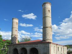 The Yukhari Govhar Agha Mosque in Shushi, Republic of Nagorno Karabakh, is also known as the Verkhiya Mosque. The entire Muslim population of Shushi fled in The Republic, Mosque, Pisa, Cn Tower, Muslim, Building, Travel, Voyage, Buildings