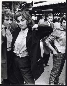 teddy girls, battersea fun fair, roger mayne