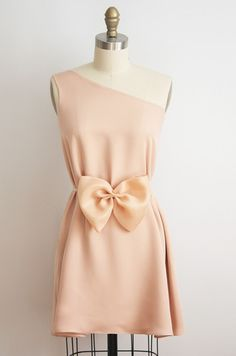 Cute dress. Wouldn't suit me in this color though. Maybe in red.