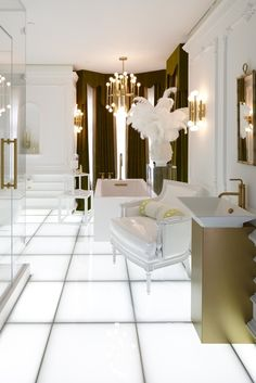 Ultra Glam Bathroom | Cynthia Reccord