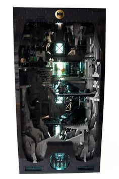 Batcave - Lego Batman - Ideas of Lego Batman - Custom LEGO Batman cave. Lego Figures, Batman Figures, Batman Lego, Lego Dc Comics, Lego Knights, Neon Lamp, Lego Games, Bros, Cool Lego Creations