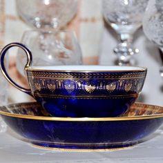 Нет описания фото. Cup And Saucer Set, Tea Cup Saucer, Coffee Cups, Tea Cups, China Cups And Saucers, Teapots, Tea Time, Blue, Porcelain Ceramics