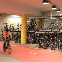 Fietsparkeren station station Leppävaara in Espoo, Finland Finland, Gym Equipment, Basketball Court, Bike, Bicycle, Trial Bike, Workout Equipment, Bicycles, Exercise Equipment