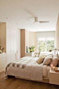 00383503. Dormitorio con armario a pie de cama que integra una cajonera 00383503
