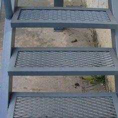 Escaleras de hierro | ARKIMETAL Steel Stairs Design, Staircase Design Modern, Home Stairs Design, Metal Stairs, Railing Design, Roof Design, Staircase Outdoor, Tiled Staircase, Staircase Handrail