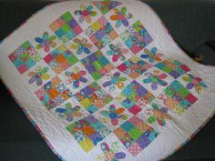 Oh, what a happy quilt for a little one!