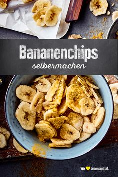 With our banana chips recipe, the sweet, soft fruit becomes a wonderfully crispy and filling snack for in between it Yourself chips Banana Design, Filling Snacks, Banana Chips, Chips Recipe, Breakfast On The Go, Christmas Breakfast, Going Vegan, Food Inspiration, Healthy Life