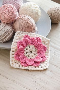 Learn to crochet gorgeous layered designs featuring Crocodile Stitch. This book makes it simple to succeed! Stunning projects include fashions and home decor.Ravelry: Perky Flower Motif pattern by Lisa Gentry in Leisure Art's Beginner's Guide to Crocodile Crochet Motifs, Crochet Blocks, Granny Square Crochet Pattern, Crochet Flower Patterns, Crochet Squares, Crochet Designs, Crochet Flowers, Crochet Stitches, Knit Crochet