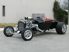Afternoon Drive: Hot Rods & Rat Rods Photos) - A hot rod is a specific type of automobile that has been modified to produce more power for racing straight ahead. The hot rod originated in the early. Classic Hot Rod, Classic Cars, Vintage Cars, Antique Cars, Vintage Iron, T Bucket, Car Ford, Ford Roadster, Love Car