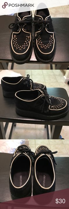 🖤CREEPERS🖤 Everything must go! Make an offer! 🖤 very well-loved Underground Shoes Flats & Loafers