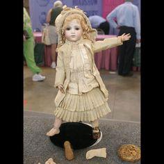 """Bebe Modele"" Bru Doll & Accessories, ca. 1880 | Roadshow Archive | PBS"