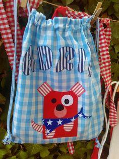 Bolsa mochila de tela para el cole personalizada por Guirigall xiquets