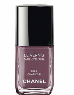 50 vernis printemps-été 2014. Vernis, Charivari, Chanel 27 $ (19 € environ) > http://www.elle.fr/Beaute/Ongles/50-vernis-printemps-ete-2014/Vernis-Charivari-Chanel