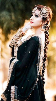 Beautiful Pakistani Dresses, Beautiful Black Dresses, Pakistani Bridal Dresses, Pakistani Dress Design, Pakistani Fashion Party Wear, Indian Fashion Dresses, Indian Designer Outfits, Indian Outfits, Hijab Fashion